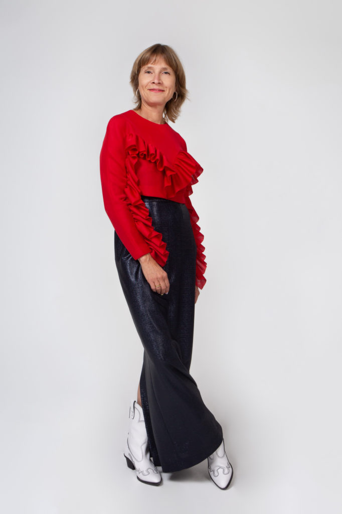 Lookbook 2020 red and black side