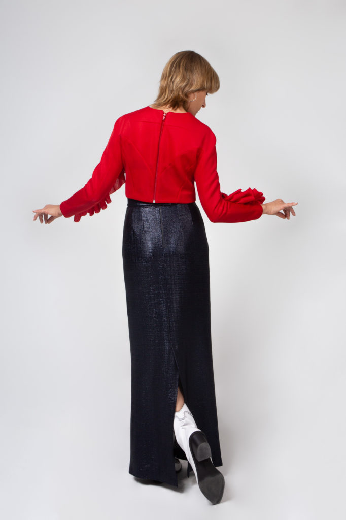 Lookbook 2020 red and black back