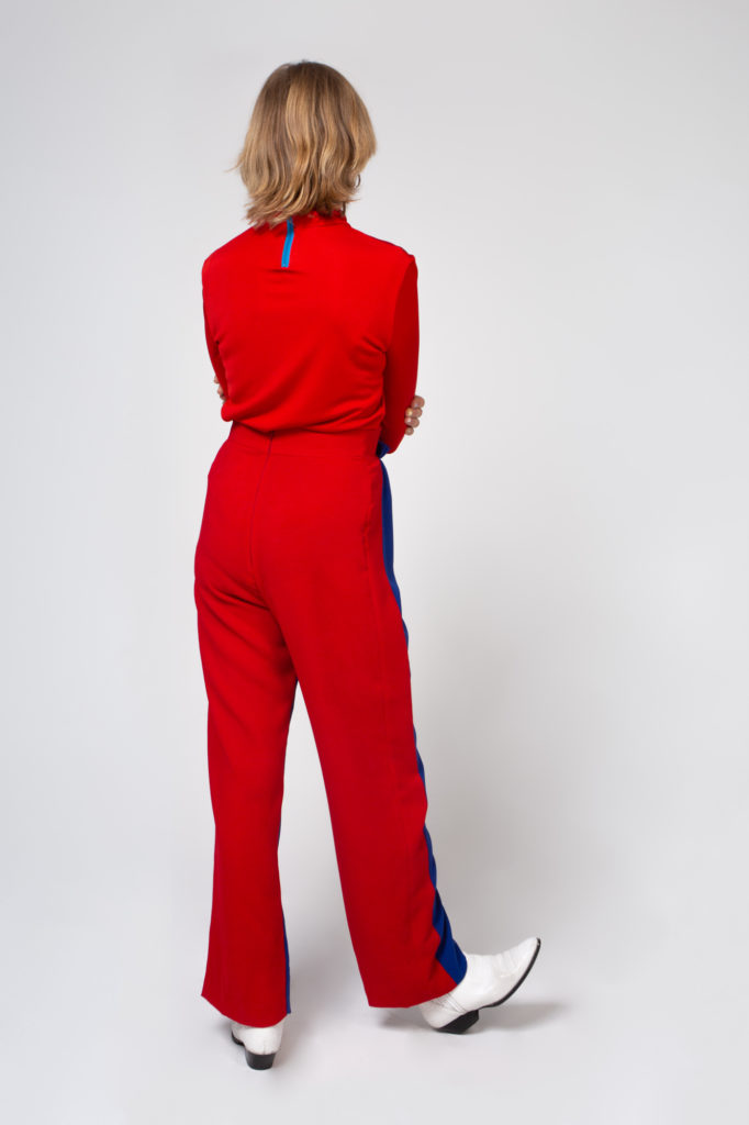 Lookbook 2020 blue and red pants